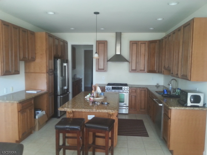 Additional photo for property listing at 1 Ziegler Place  Matawan, New Jersey 07747 États-Unis