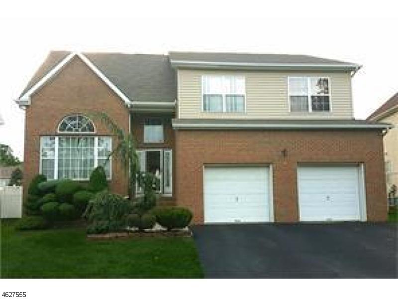 Real estate homes for sales jj elek for Kitchen cabinets 08857