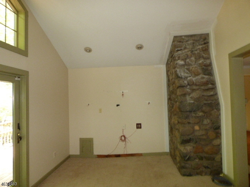 Additional photo for property listing at 6 Knollwood Drive  Newton, New Jersey 07860 United States