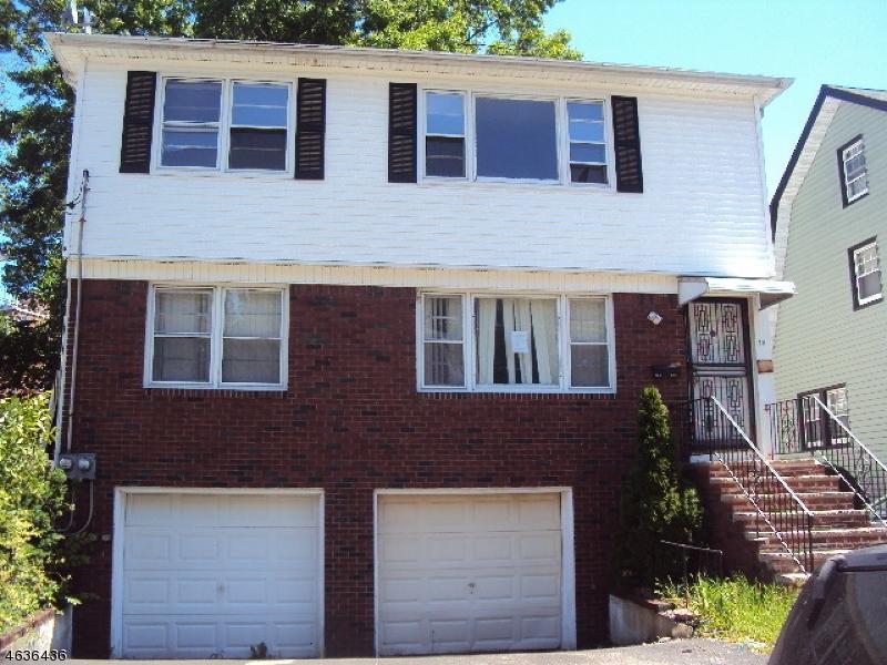 Casa Multifamiliar por un Venta en 78 Lincoln Place Irvington, Nueva Jersey 07111 Estados Unidos