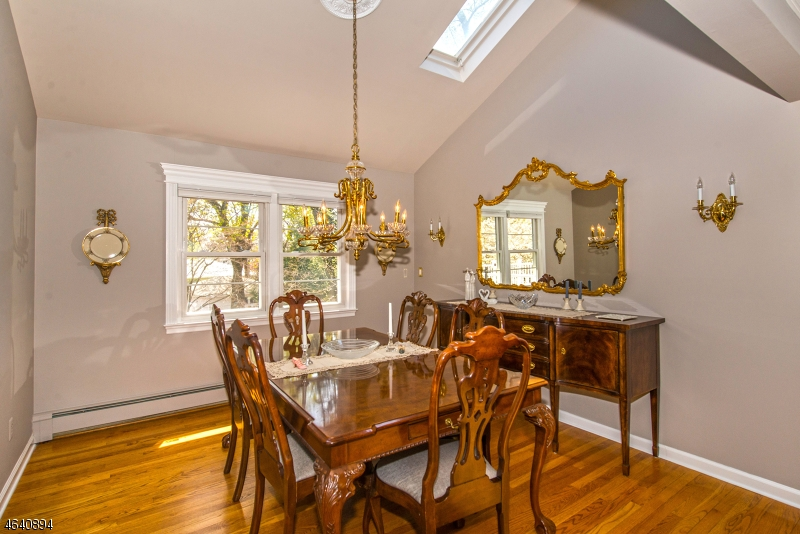 Additional photo for property listing at 24 Schnell Court  Haledon, New Jersey 07508 États-Unis