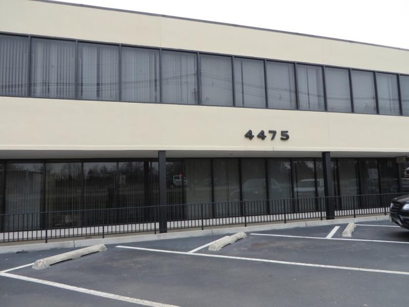 Commercial pour l Vente à 4475 S Clinton Avenue South Plainfield, New Jersey 07080 États-Unis