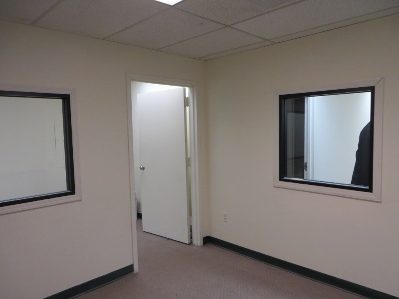 Additional photo for property listing at 4475 S Clinton Avenue  South Plainfield, Nueva Jersey 07080 Estados Unidos