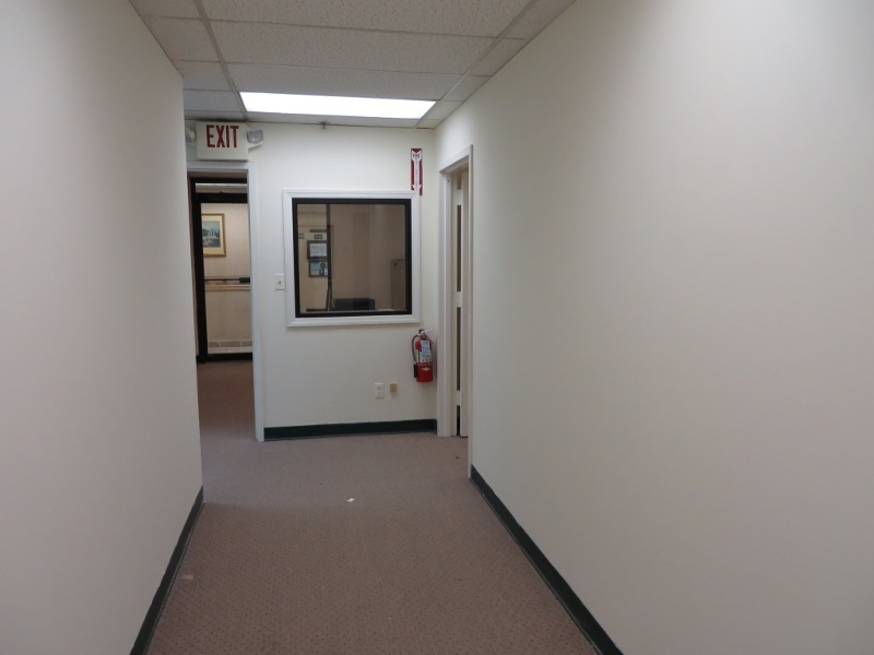 Additional photo for property listing at 4475 S Clinton Avenue  South Plainfield, New Jersey 07080 États-Unis