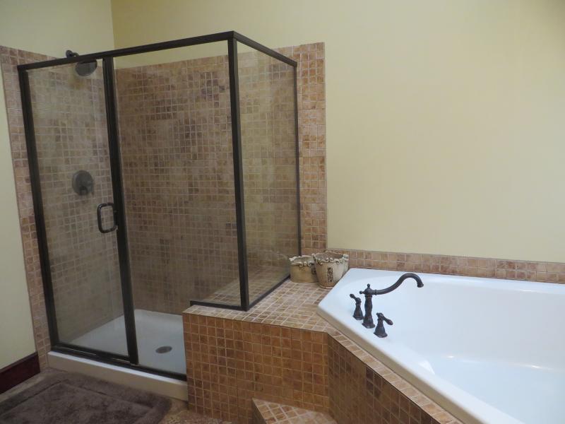 Additional photo for property listing at 422 Thomas Stewart Way  Stewartsville, Нью-Джерси 08886 Соединенные Штаты