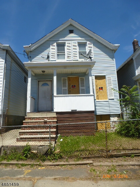 Single Family Home for Sale at 115 N 6th Street Paterson, New Jersey 07522 United States