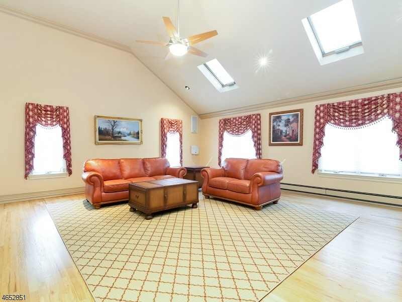 Additional photo for property listing at 16 Doremus Drive  Towaco, New Jersey 07082 United States