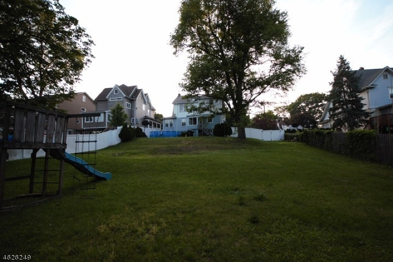 Additional photo for property listing at 155 Montross Avenue  Rutherford, Нью-Джерси 07070 Соединенные Штаты