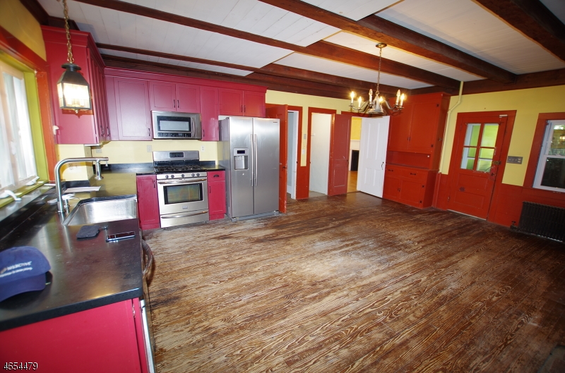 Additional photo for property listing at 61A DEWEY Avenue  High Bridge, New Jersey 08829 États-Unis