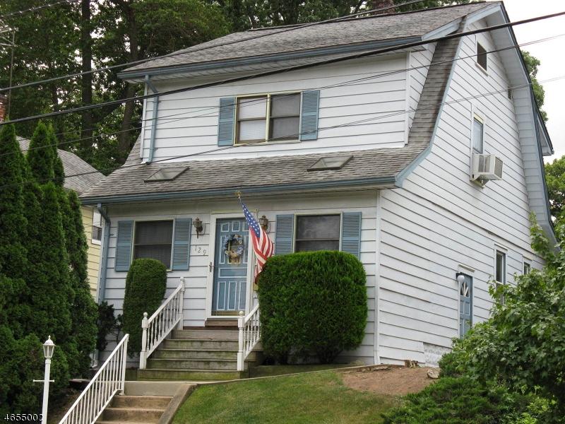 独户住宅 为 销售 在 129 Raymond Avenue 纳特利, 新泽西州 07110 美国