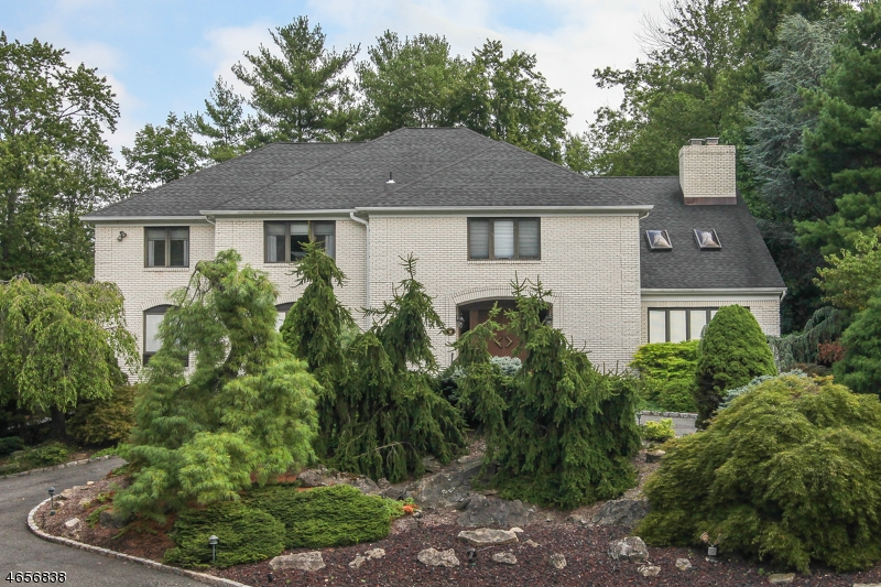 Additional photo for property listing at 16 Chapel Hill Road  Short Hills, New Jersey 07078 United States