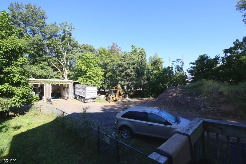 Additional photo for property listing at 212 Little Falls Road  Cedar Grove, New Jersey 07009 États-Unis