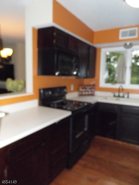Additional photo for property listing at 64 Red Oak Ter  Oak Ridge, New Jersey 07438 United States