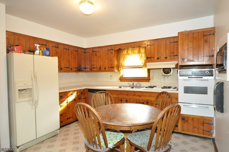 Additional photo for property listing at 56 N 17th Avenue  Manville, Nueva Jersey 08835 Estados Unidos