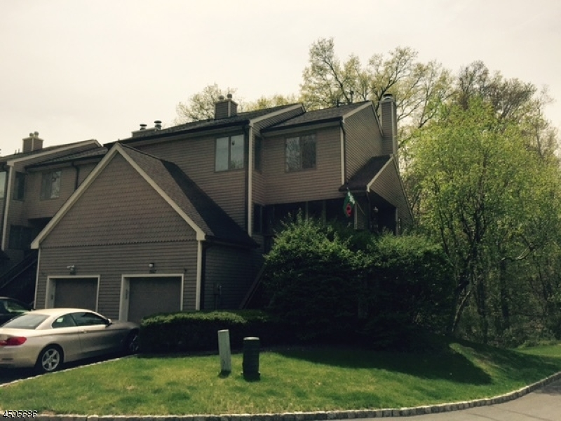 Additional photo for property listing at 1047 Black Oak Ridge Road  Wayne, Nueva Jersey 07470 Estados Unidos