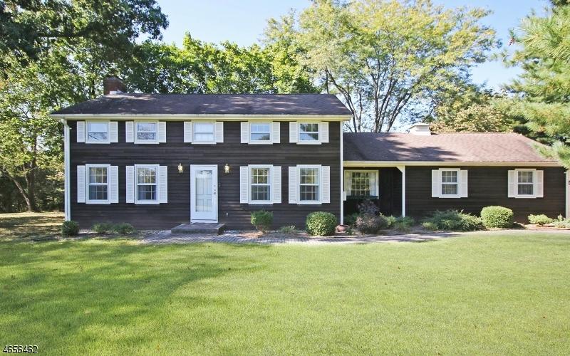 Maison unifamiliale pour l Vente à 5 Main Street Peapack, New Jersey 07977 États-Unis