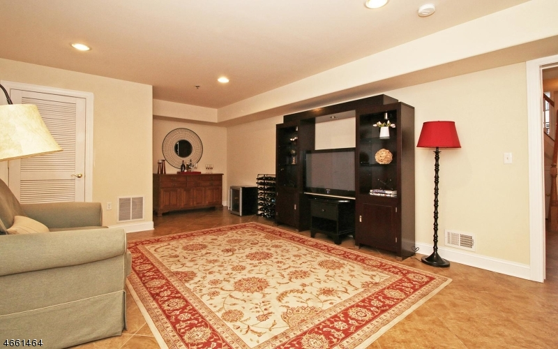 Additional photo for property listing at 1344 Danchetz Court  Rahway, New Jersey 07065 United States