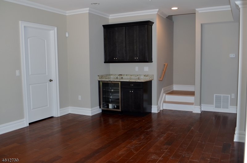 Additional photo for property listing at 12 Schmidt Circle  Watchung, New Jersey 07069 United States