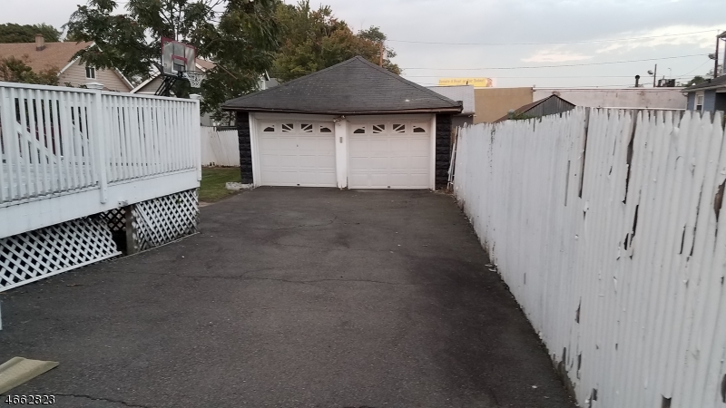 Additional photo for property listing at 223 Victory Street  Roselle, Нью-Джерси 07203 Соединенные Штаты