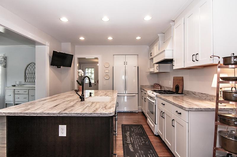 Additional photo for property listing at 43 Center Street  Annandale, Нью-Джерси 08801 Соединенные Штаты