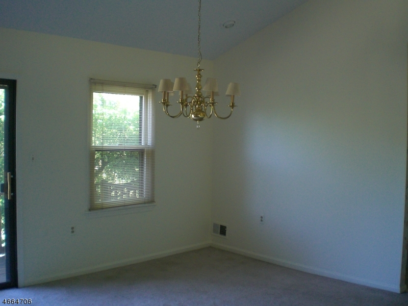 Additional photo for property listing at 51 Barn Owl Drive  Hackettstown, Nueva Jersey 07840 Estados Unidos