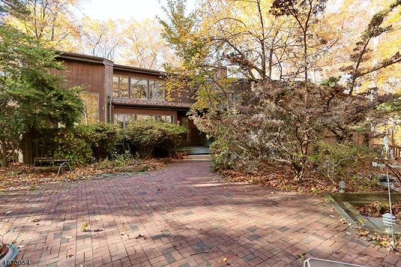 Maison unifamiliale pour l Vente à 14 Blue Sky Lane Montvale, New Jersey 07645 États-Unis