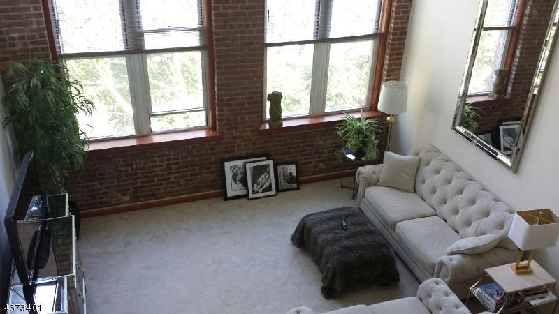 Casa Unifamiliar por un Alquiler en 262 MAIN ST UNIT 205 Little Falls, Nueva Jersey 07424 Estados Unidos