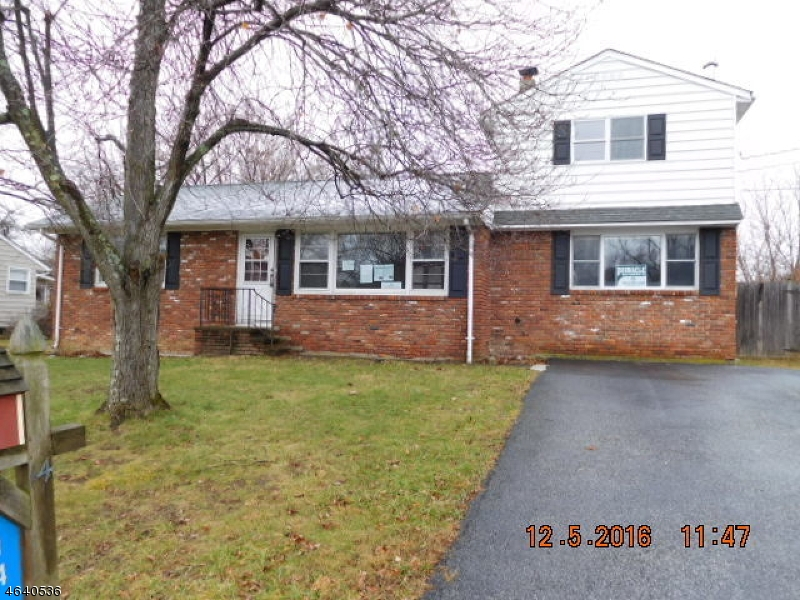 Single Family Home for Sale at 14 Auche Drive Franklin, New Jersey 07416 United States