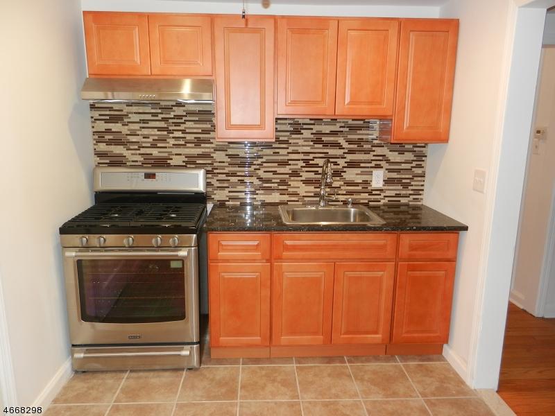 Частный односемейный дом для того Аренда на 617 Willow Avenue Garwood, 07027 Соединенные Штаты