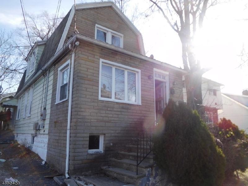 Single Family Home for Sale at 289 Montclair Avenue Vauxhall, New Jersey 07088 United States