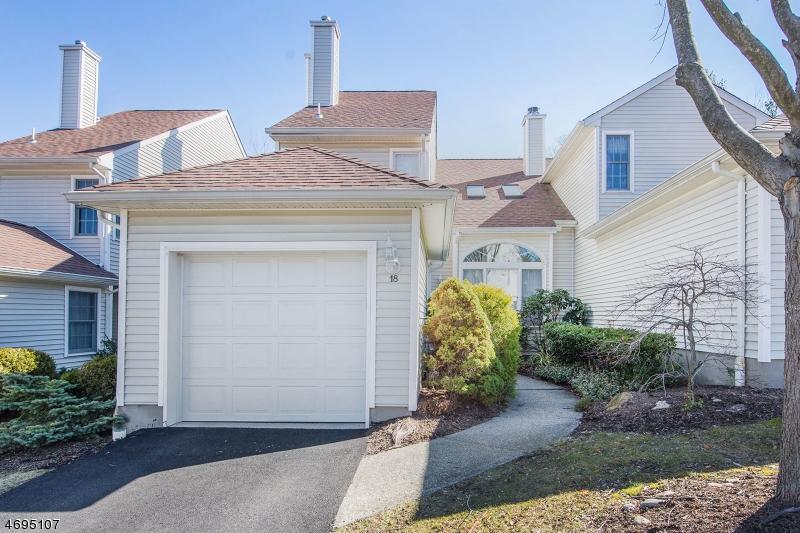 Maison unifamiliale pour l Vente à 18 Kevin Road Lincoln Park, New Jersey 07035 États-Unis