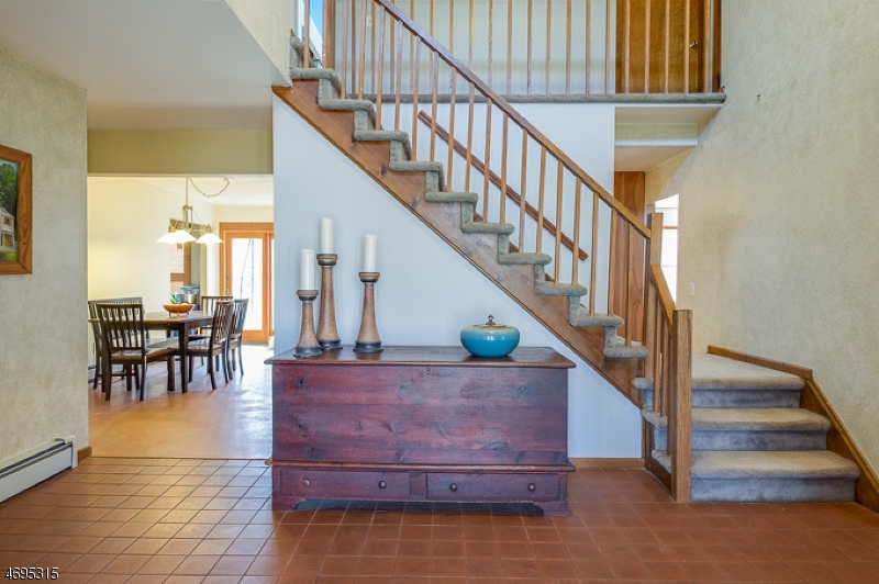 Частный односемейный дом для того Продажа на 1 Redwood Way Flanders, 07836 Соединенные Штаты