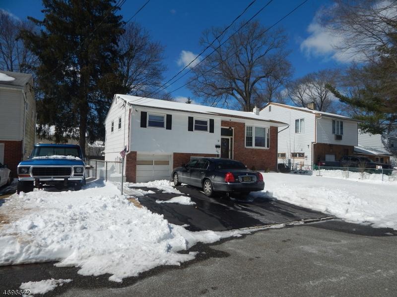 Single Family Home for Rent at 41 Rockaway Blvd Lake Hiawatha, New Jersey 07034 United States