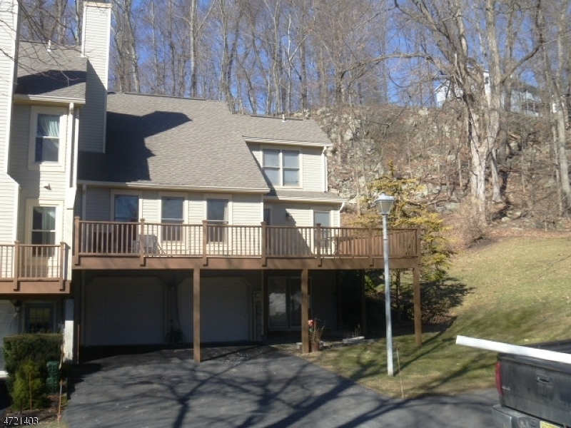 Single Family Home for Sale at 14 Quail Run Hackettstown, New Jersey 07840 United States