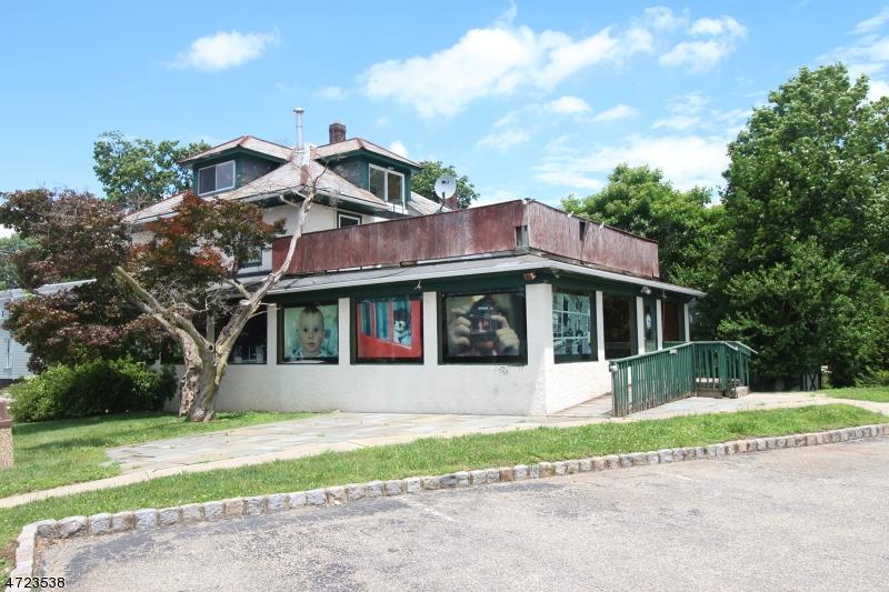 Commercial pour l Vente à 36 Mine Street Flemington, New Jersey 08822 États-Unis