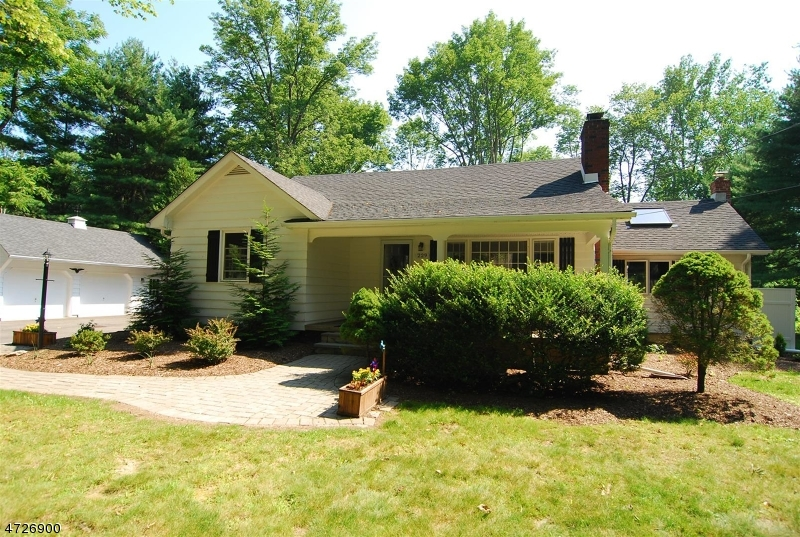Single Family Home for Sale at 229 Emmans Road Flanders, New Jersey 07836 United States
