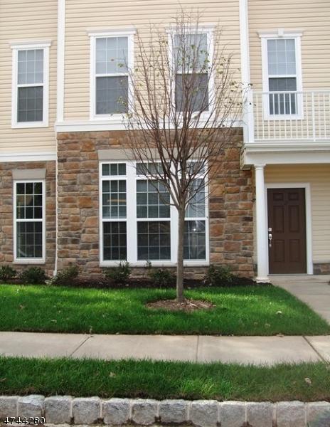 Частный односемейный дом для того Аренда на 2 Holly Lane Garfield, Нью-Джерси 07026 Соединенные Штаты