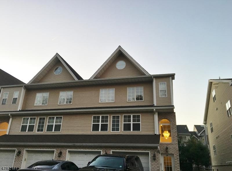 Частный односемейный дом для того Аренда на 20 MOUNTAIN Avenue Paterson, Нью-Джерси 07501 Соединенные Штаты