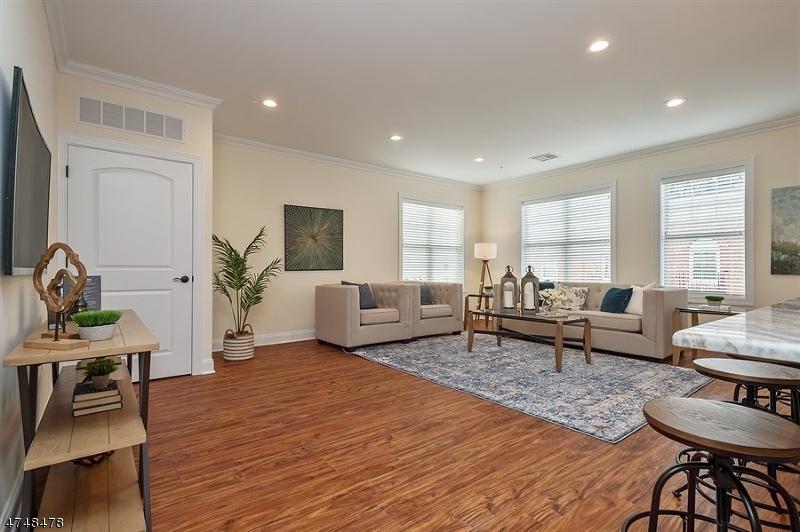 独户住宅 为 出租 在 6 Doughty Avenue Somerville, 新泽西州 08876 美国