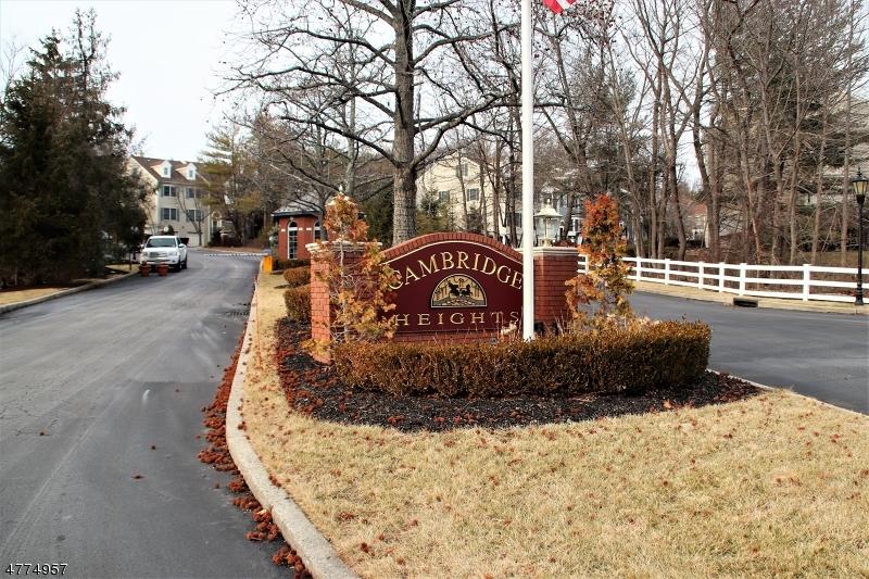 Частный односемейный дом для того Аренда на 189 Surrey Court Mahwah, Нью-Джерси 07446 Соединенные Штаты