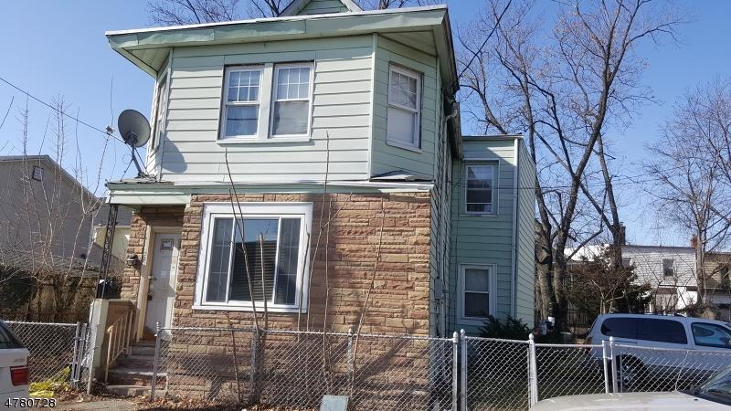 Maison unifamiliale pour l Vente à 215 Lafayette Street Orange, New Jersey 07050 États-Unis