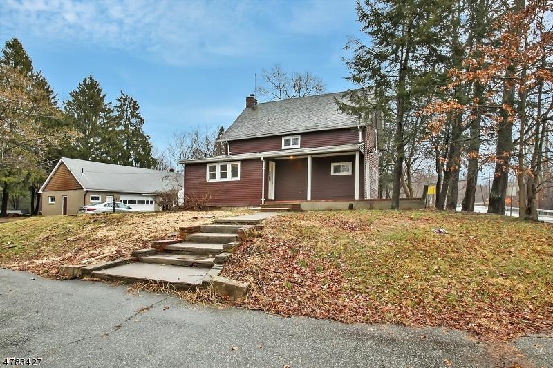 Частный односемейный дом для того Продажа на 271 Two Bridges Road Lincoln Park, Нью-Джерси 07035 Соединенные Штаты
