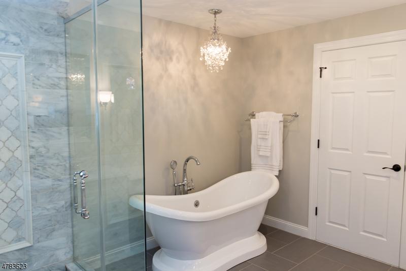 独户住宅 为 销售 在 514 4th Street 哈克特斯镇, 新泽西州 07840 美国