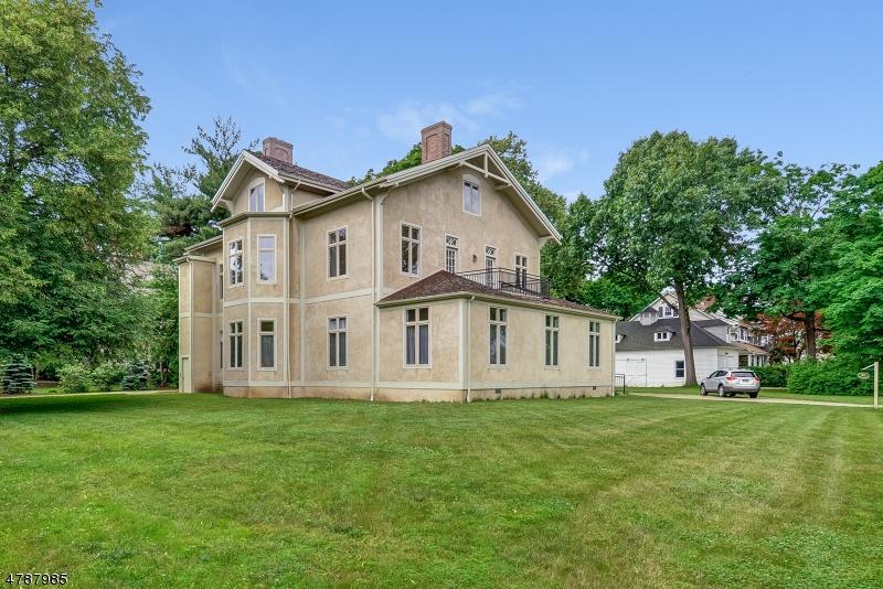 Condominio/ Casa de pueblo por un Alquiler en 21 PERRY STREET Morristown, Nueva Jersey 07960 Estados Unidos