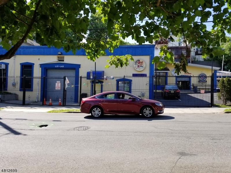 商用 为 销售 在 143 N 3RD Street Paterson, 新泽西州 07522 美国