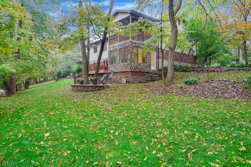 Maison unifamiliale pour l Vente à 2289 BROOKSIDE Drive Bridgewater, New Jersey 08836 États-Unis