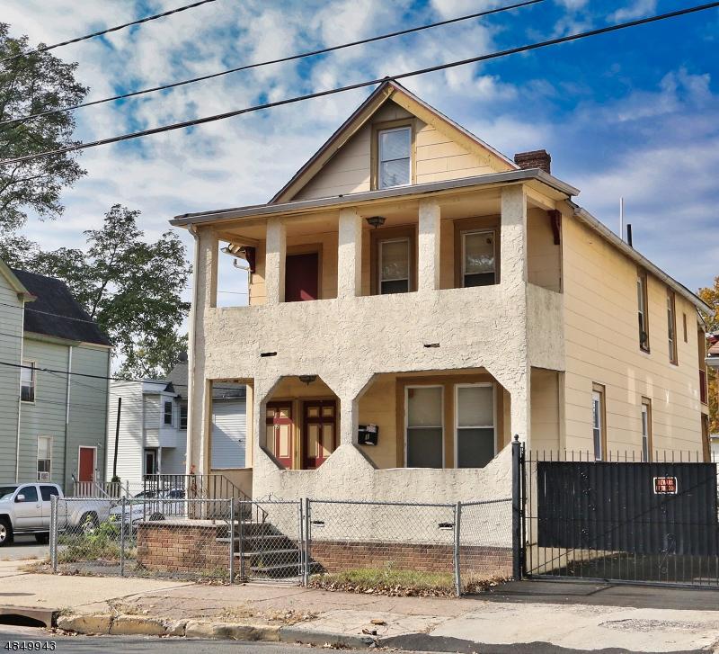 Maison avec plusieurs logements pour l Vente à 563 VALLEY Street Orange, New Jersey 07050 États-Unis
