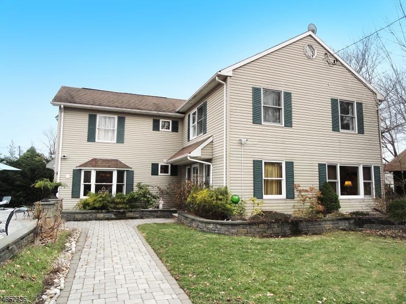 Nhà ở một gia đình vì Thuê tại 11 SUNSET TER SUCC Roxbury Township, New Jersey 07876 Hoa Kỳ