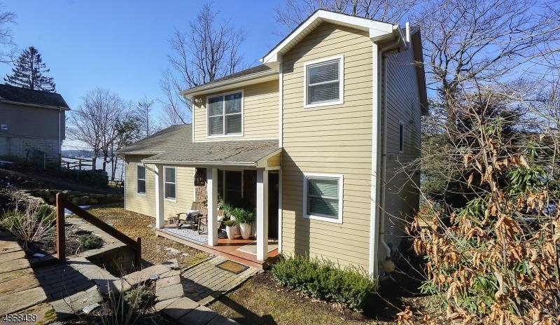 独户住宅 为 销售 在 111 Point BREEZE Drive 西米尔福德, 新泽西州 07421 美国