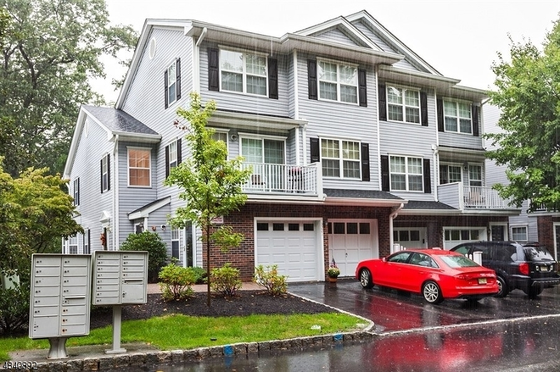 Condo / Townhouse for Sale at 3202 SCENIC Court Denville, New Jersey 07834 United States